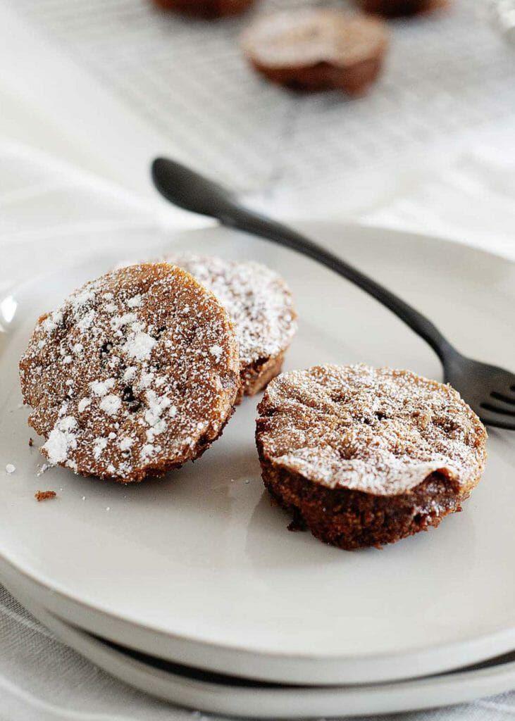 Healthy Mini Flourless Chocolate Olive Oil Cakes