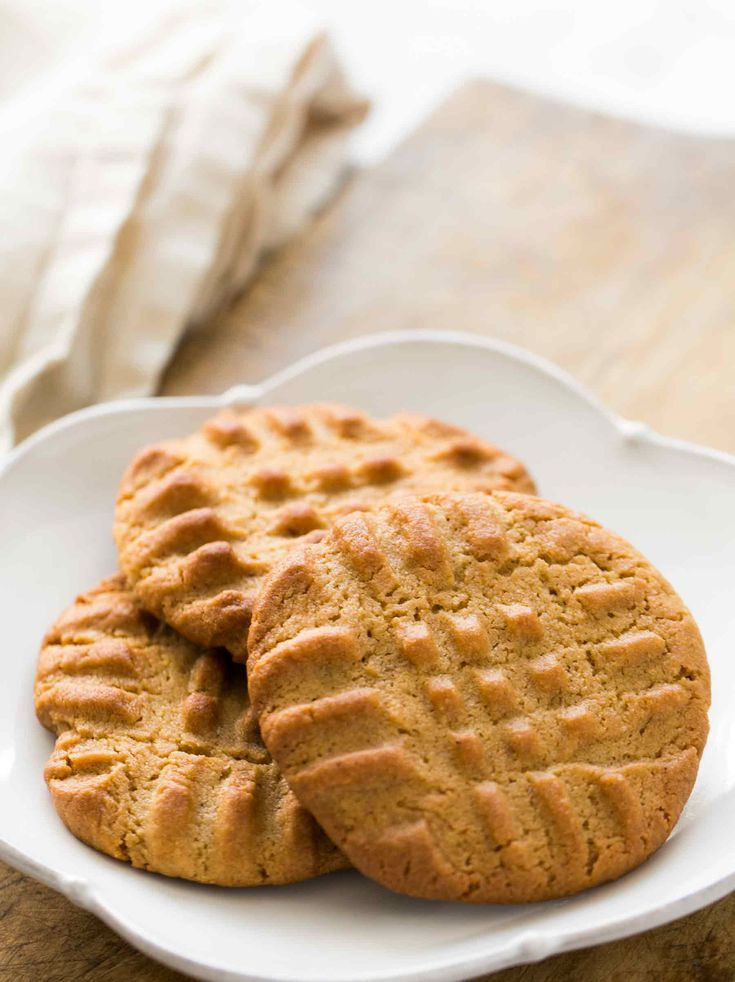 Easy Peanut Butter Cookies Homemade