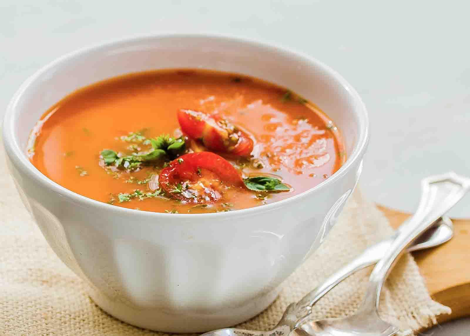 Creamy Tomato and Bean Soup