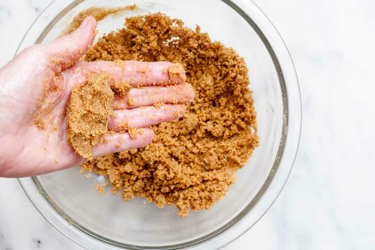 Easy Graham Cracker Crust recipe squeeze the crust together