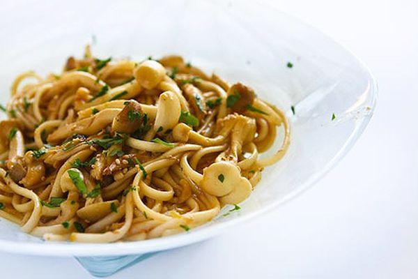 Mushrooms Noodles Lemon Ginger Dressing