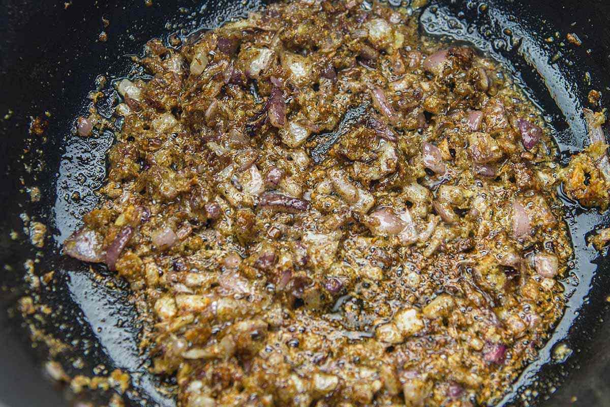 Hyderabadi Chicken Biryani cook the ginger garlic paste
