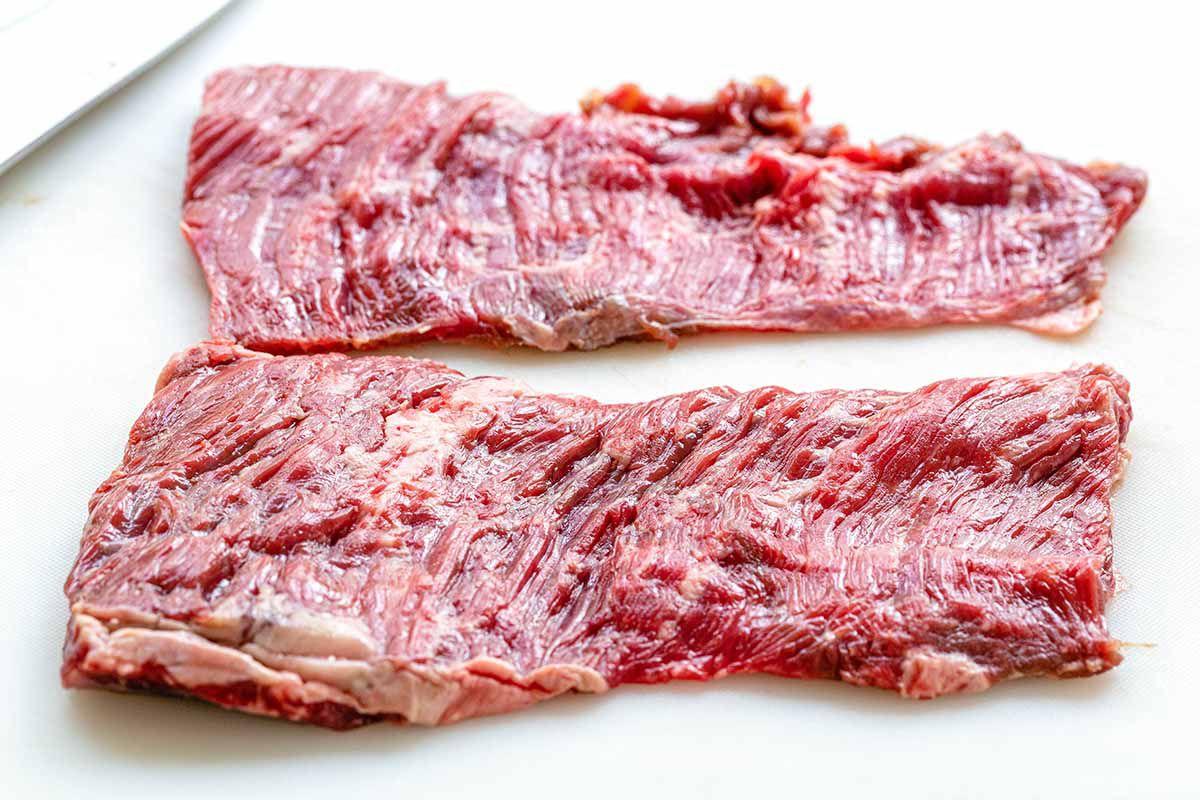 Easy Skirt Steak Recipe - steak on cutting board