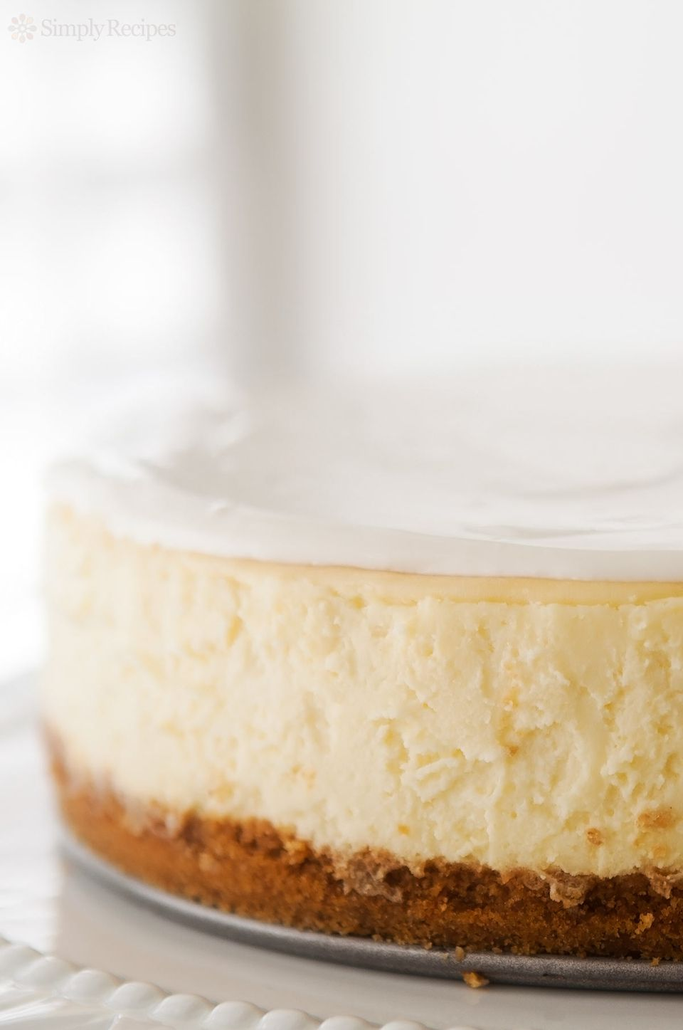 Close up of the side of the best cheesecake.
