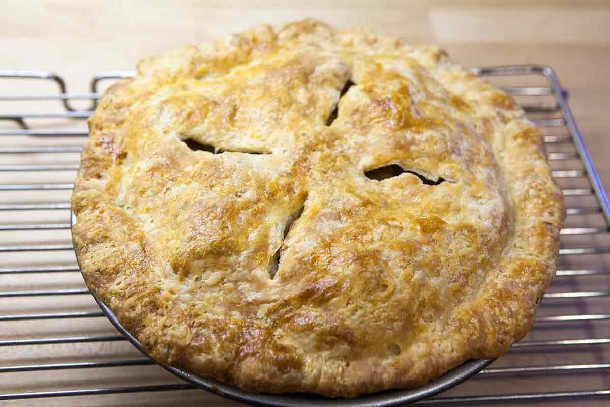 bake the apple pie