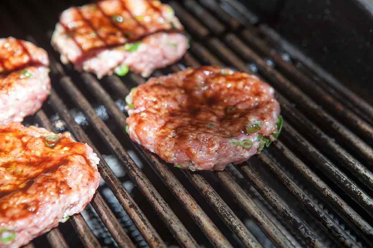 hawaiian-pork-burger-method-2