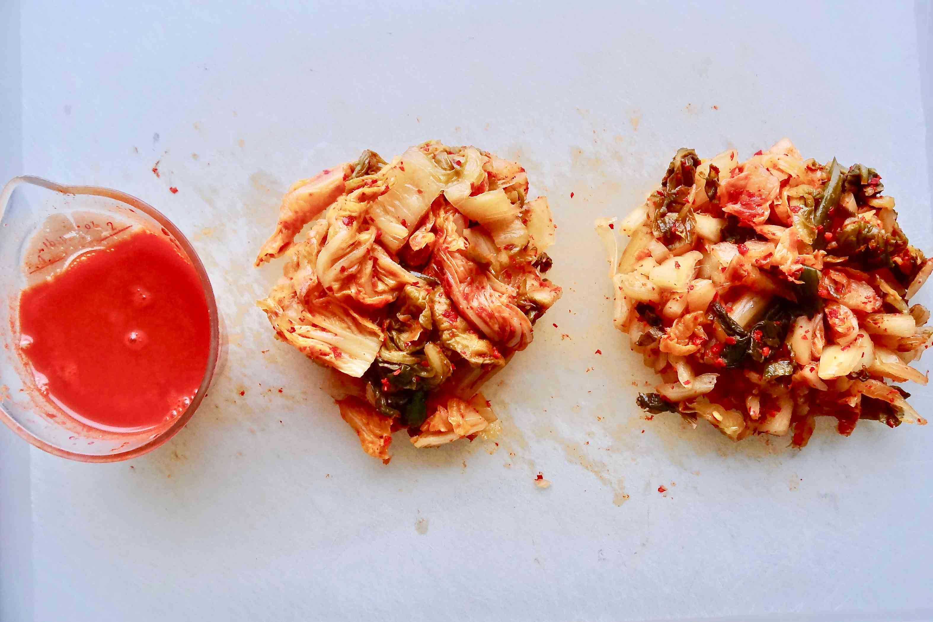 How to make kimchi fried rice by squeezing the kimchi and saving the juice.
