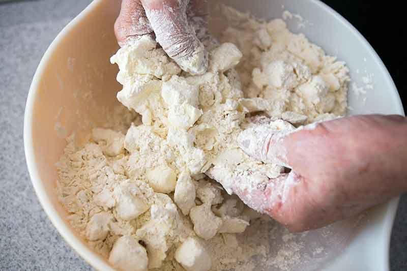 no-fail-sour-cream-pastry-crust-method-3