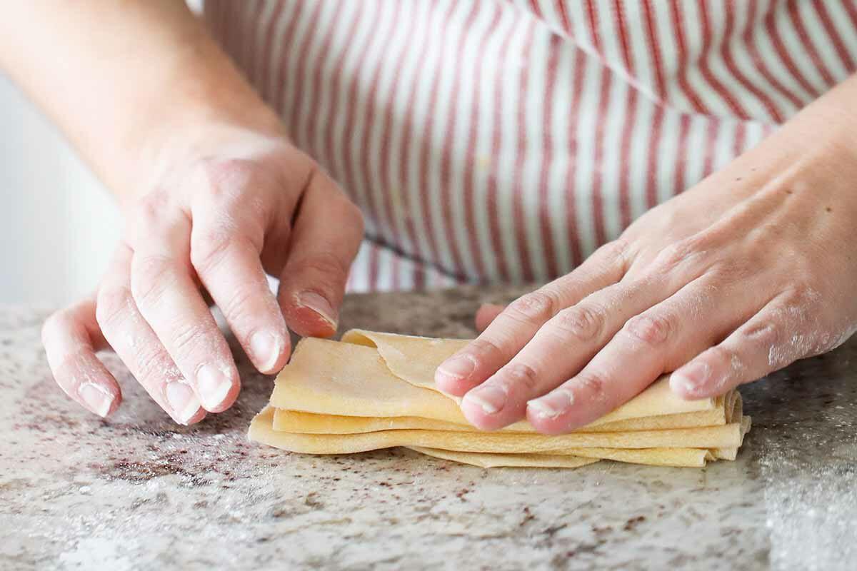 How to make homemade pasta pile dough like accordion