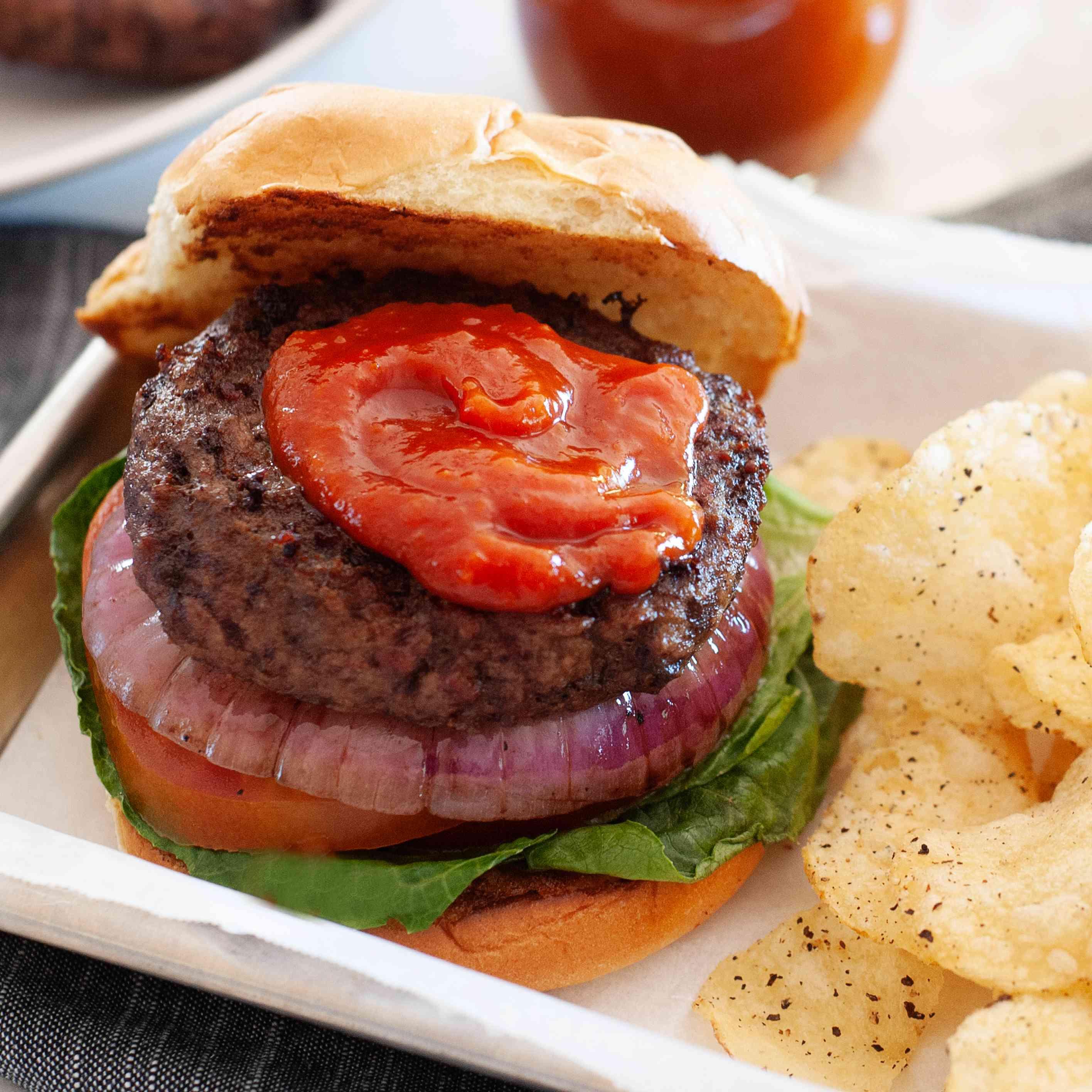 Ketchup recipe on a hamburger.