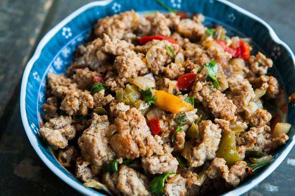 ground turkey recipes: ground turkey and peppers dish