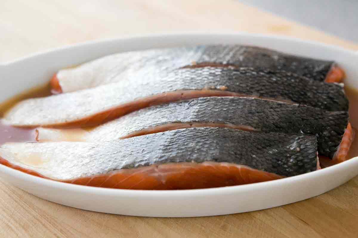 marinating salmon filets skin side up for honey glazed salmon recipe