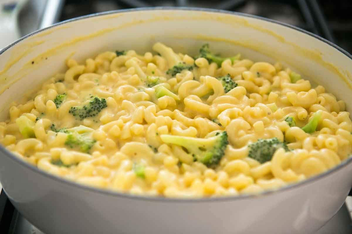 broccoli-cheddar-mac-cheese-method-7
