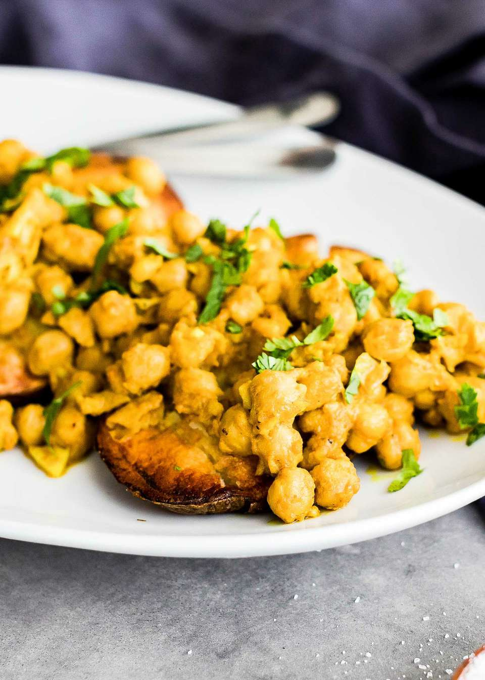 Vegetarian Baked Potatoes with Chickpeas