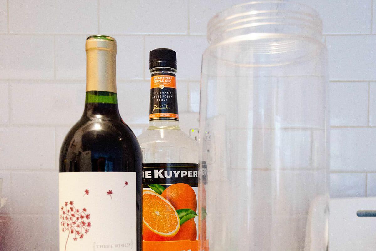 Thanksgiving Sangria combine wine and Triple Sec