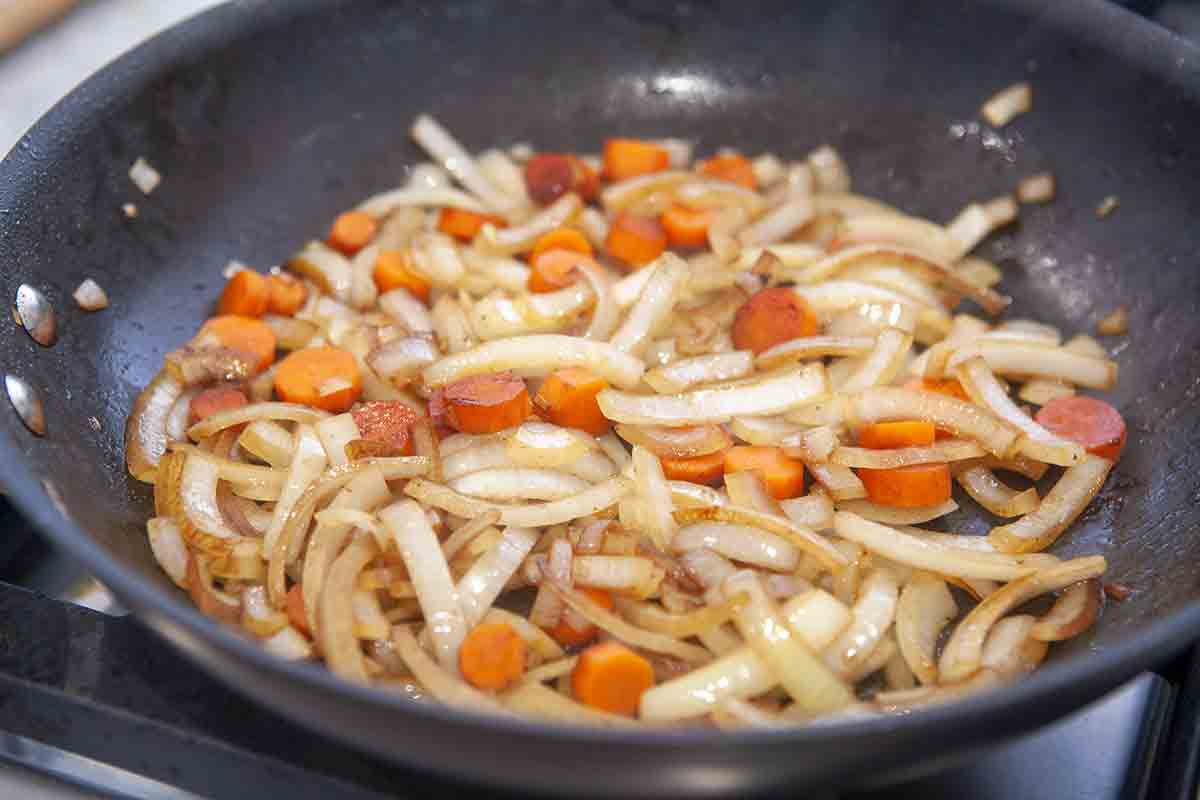cook onions and carrots for quick beef stew