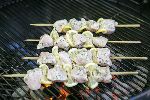 greek-lemon-chicken-skewers-method-4
