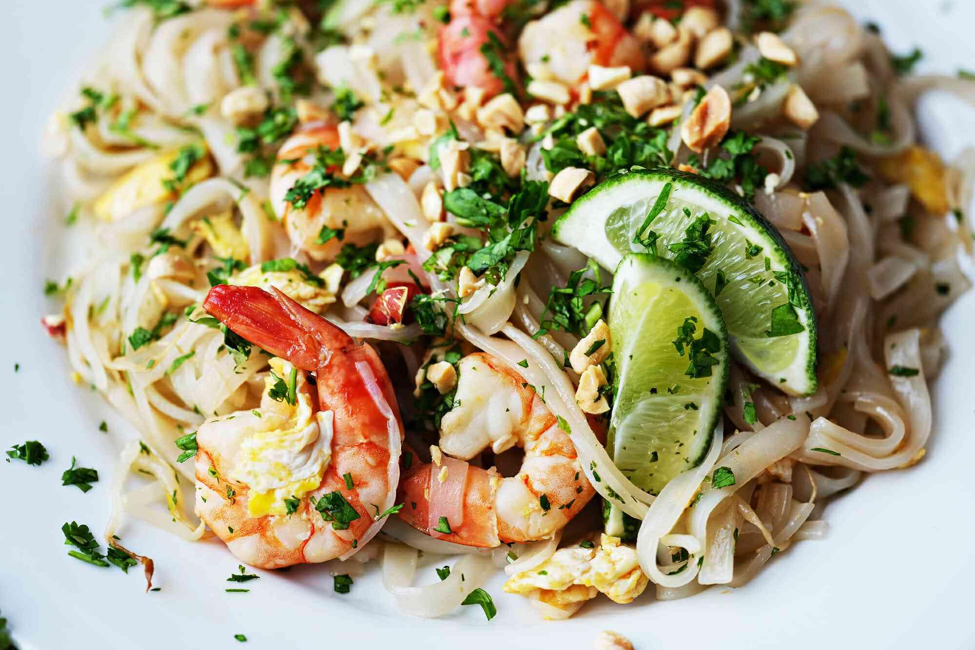 Authentic Pad Thai Recipe serve the pad Thai