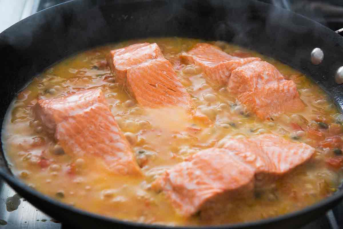salmon-tomato-onion-capers-method-4