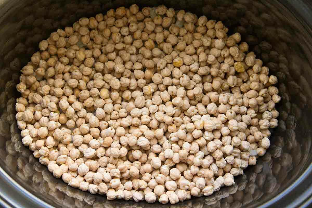 chickpeas in the slow cooker for chickpea curry