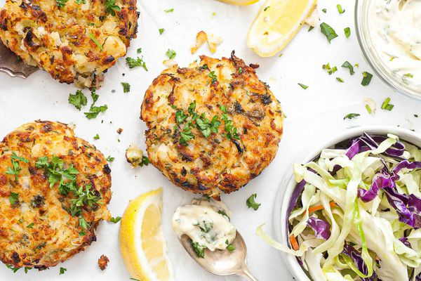 Fish Cakes with Herb Mayonnaise - fish cakes with herbs and lemon