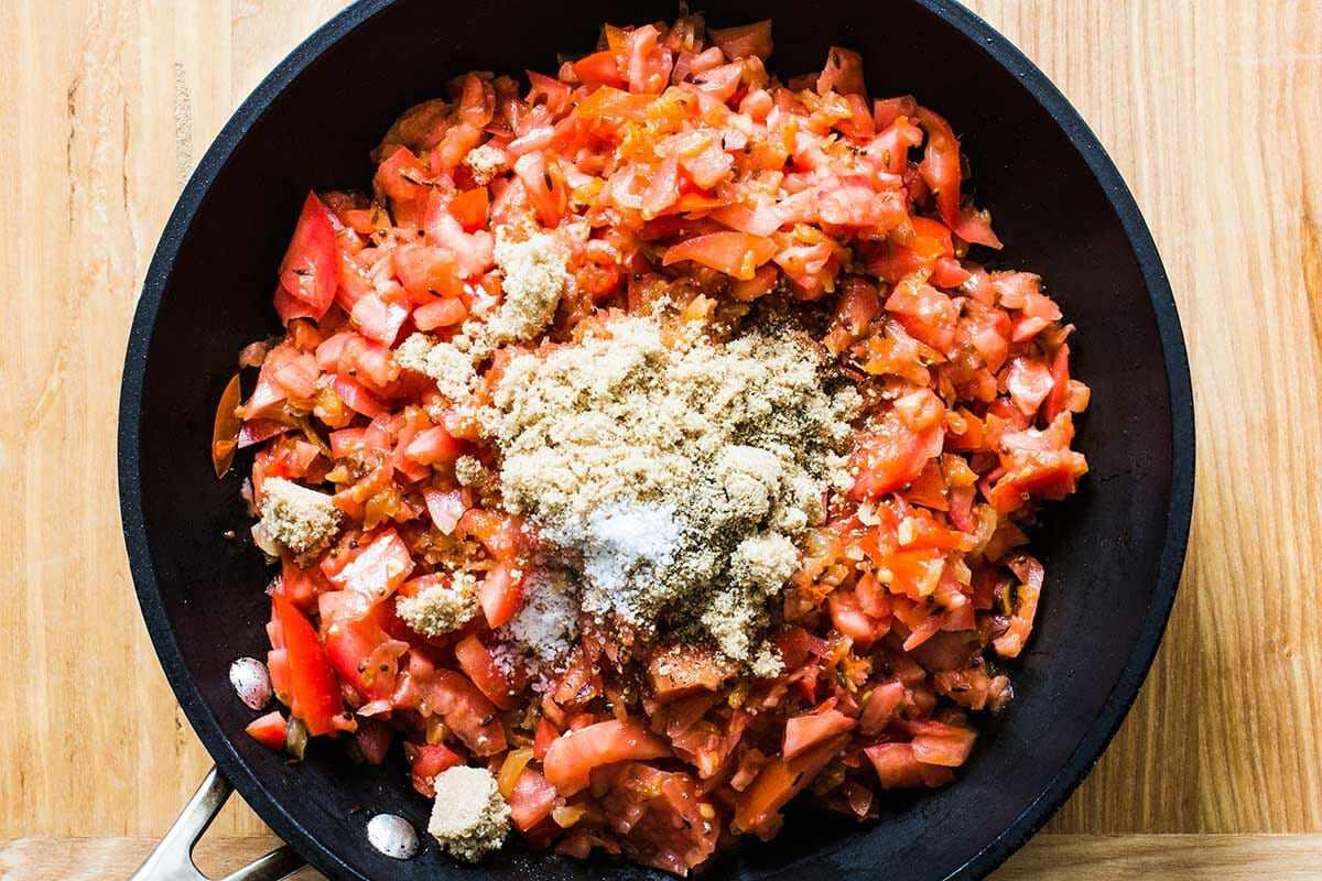 Tomato Onion Jam cook the jam mixture