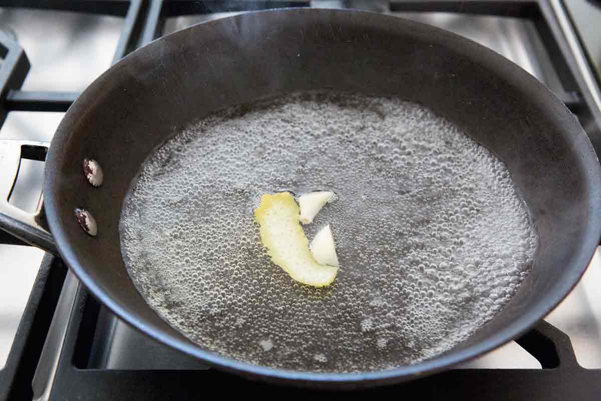 boil water for steam boiled asparagus