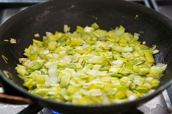 breakfast-casserole-leeks-asparagus-method-600-4