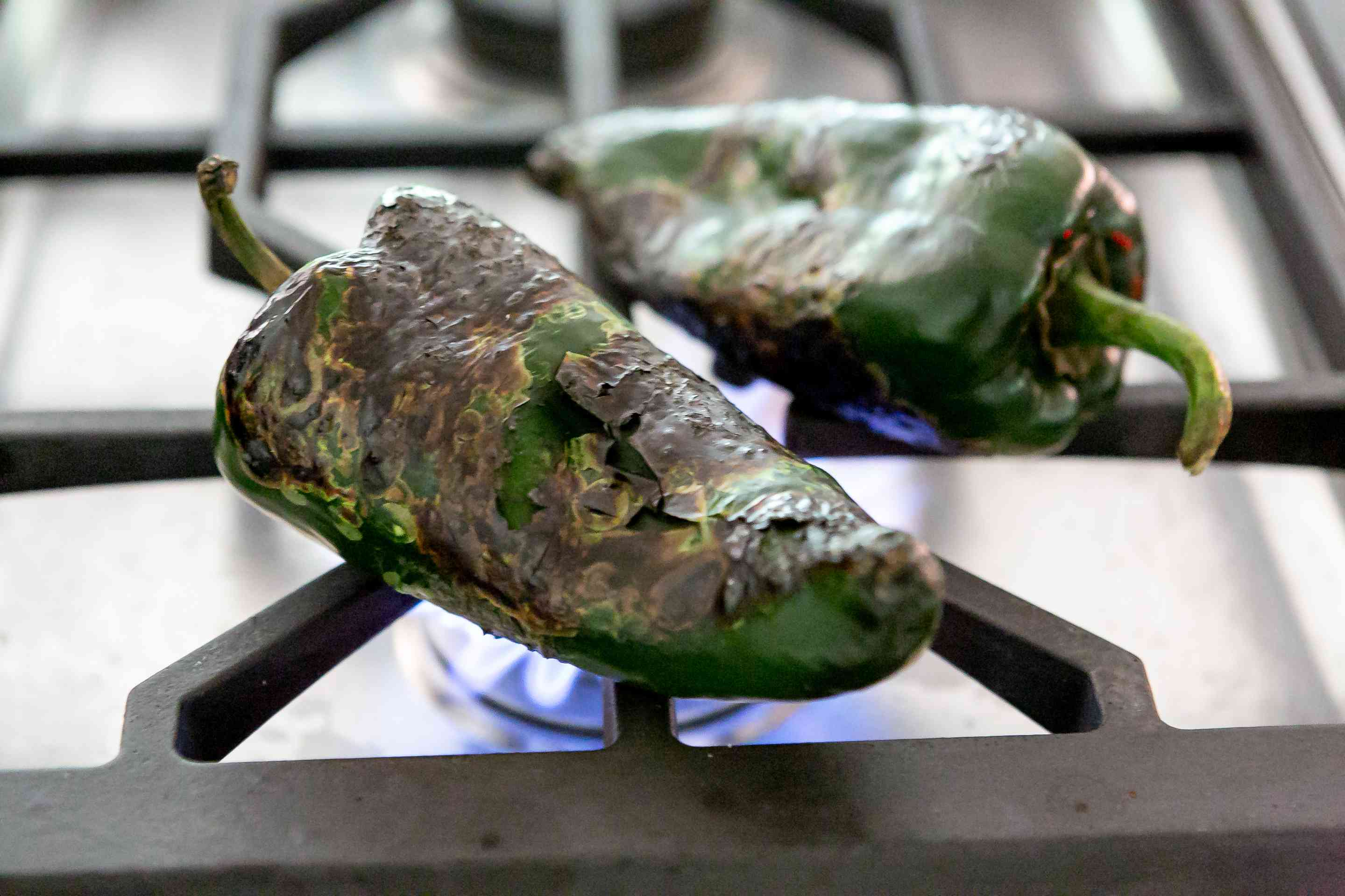 roasting-chiles-for-corn-chowder-2