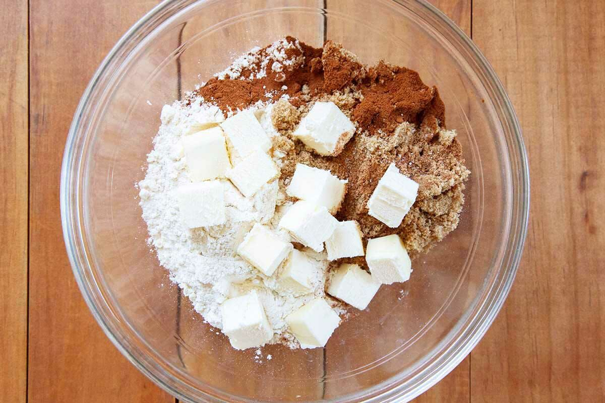 How to make shoofly pie crumb topping in a glass bowl.