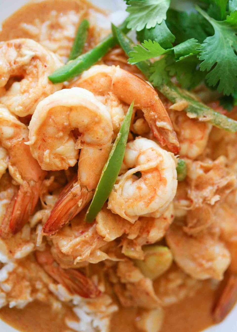 Spicy Garlic Shrimp with Coconut Milk