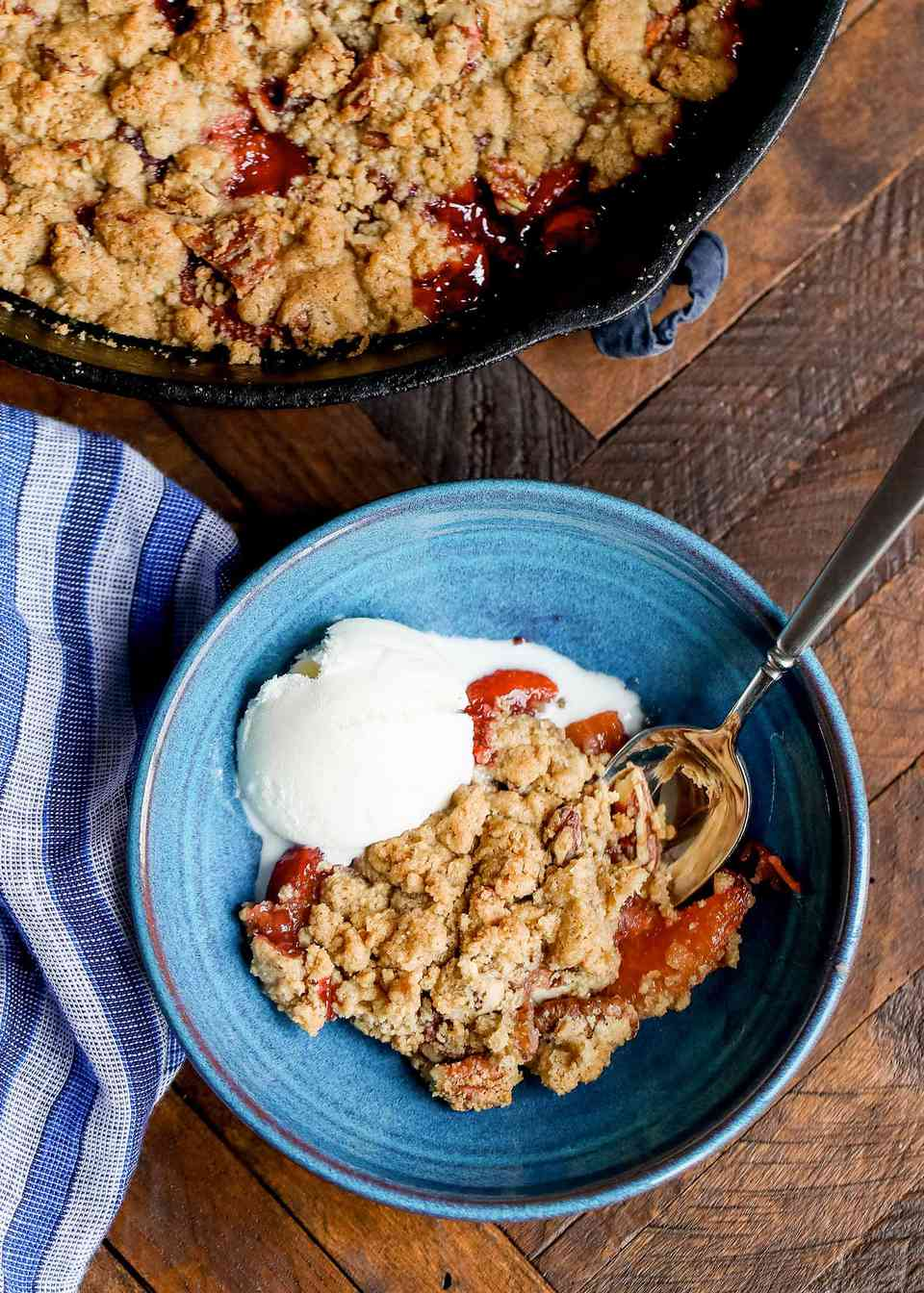 Peach Crumble with Ginger