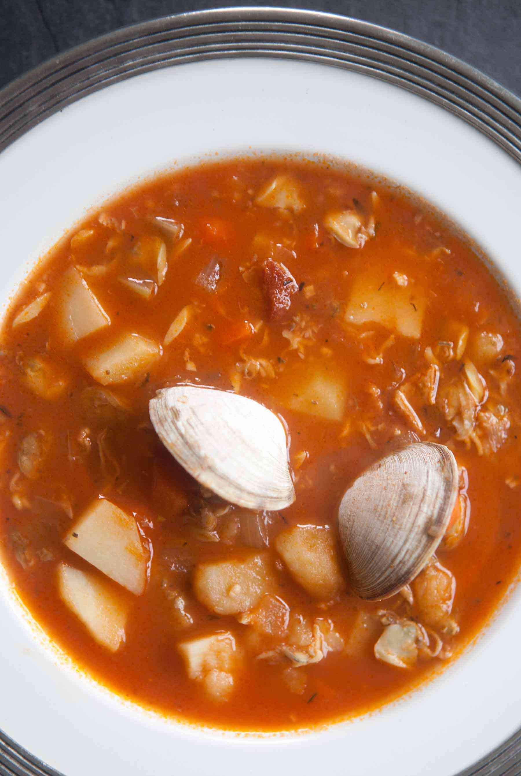 manhattan-clam-chowder-vertical-a-1800