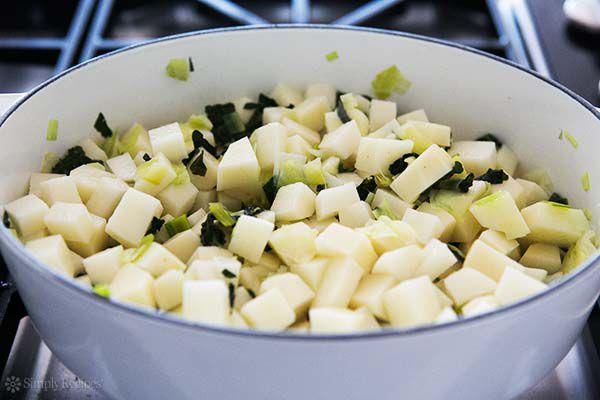 colcannon-potato-soup-method-600-2