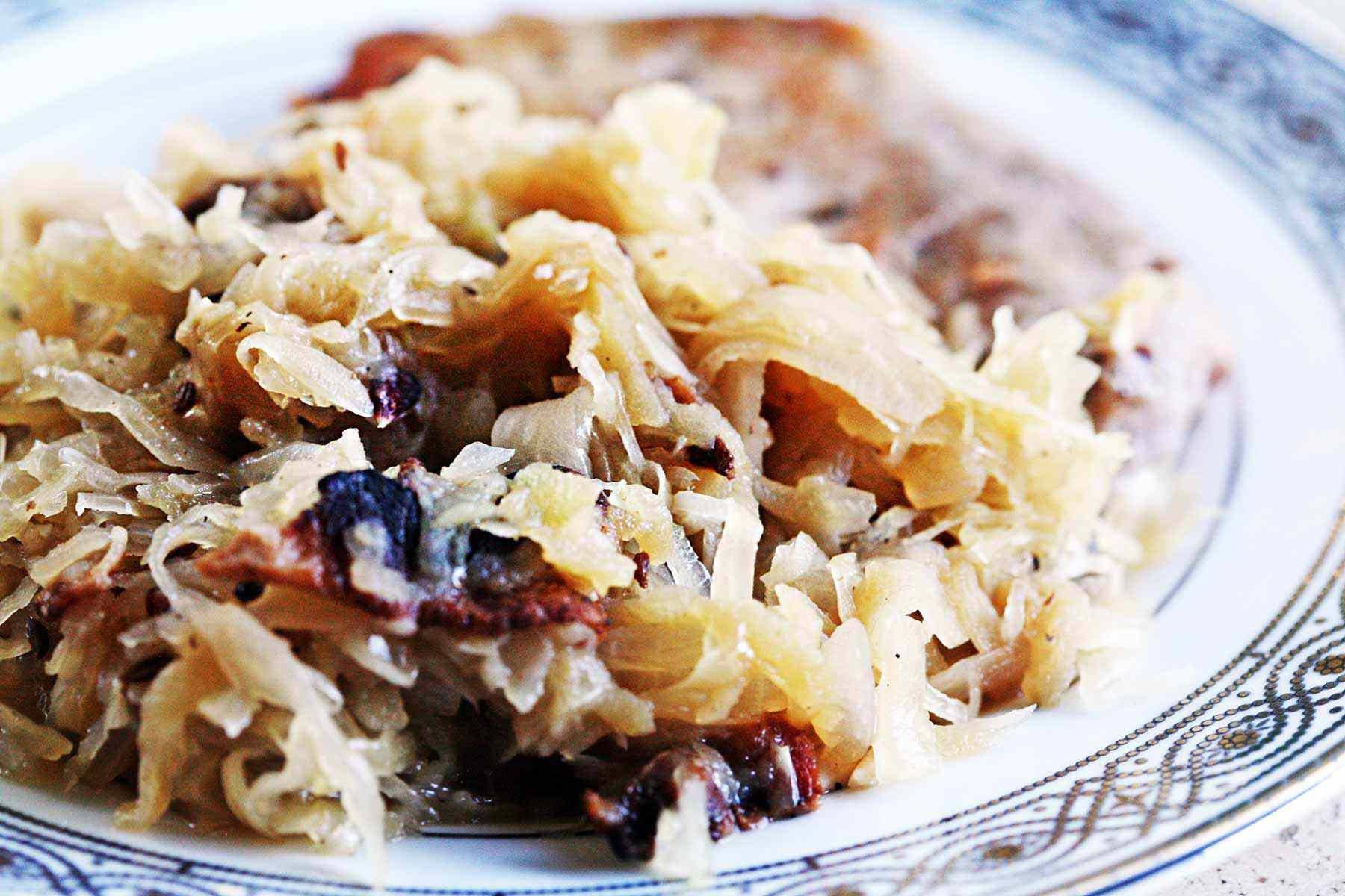 Sauerkraut with Bacon and Apples