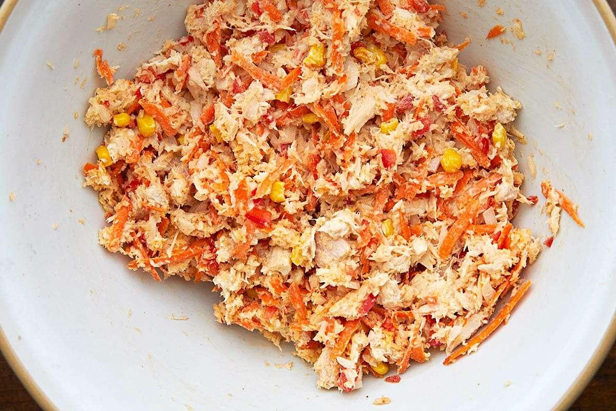 Canned Tuna Burgers make the tuna mix