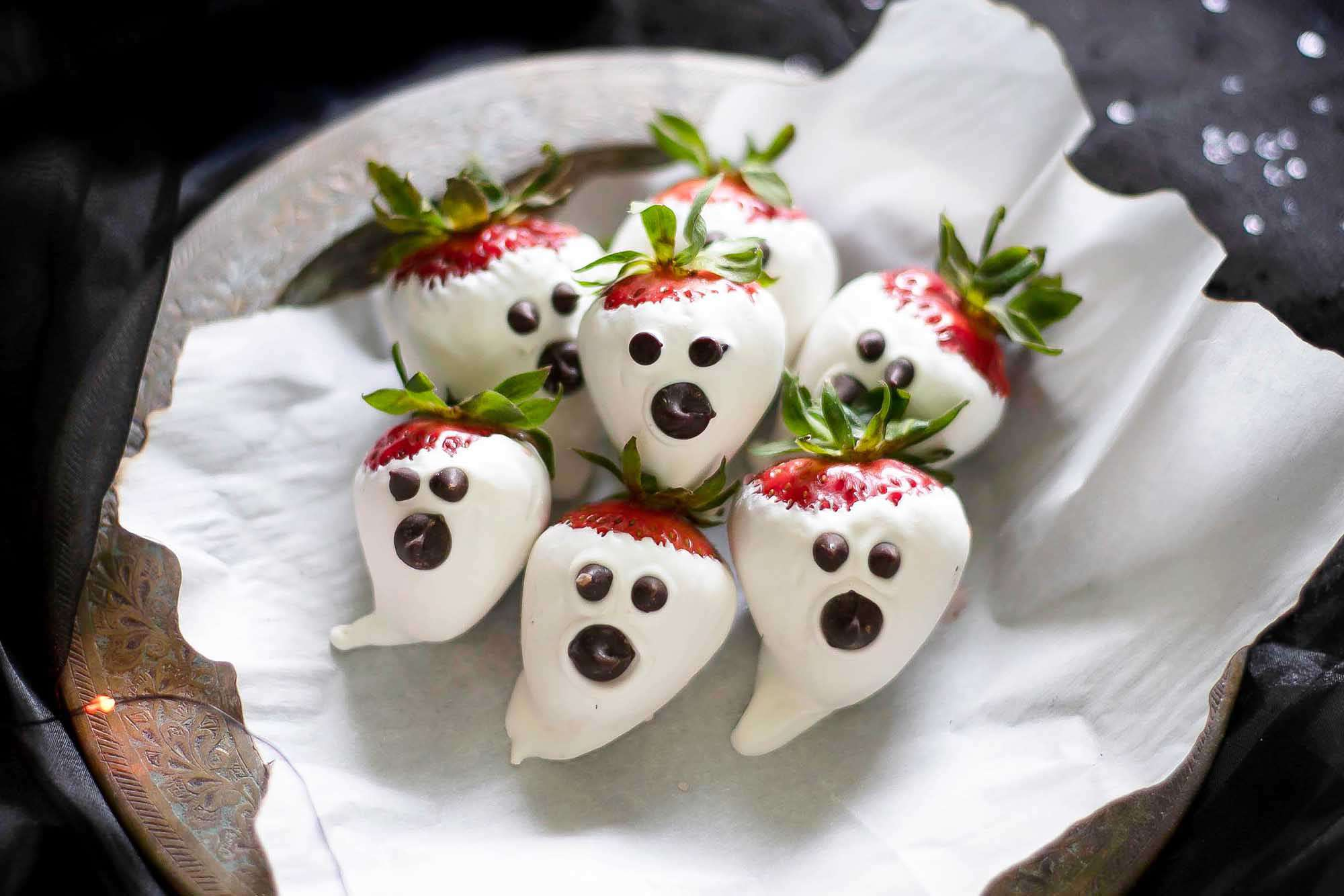 chocolate covered strawberry ghosts