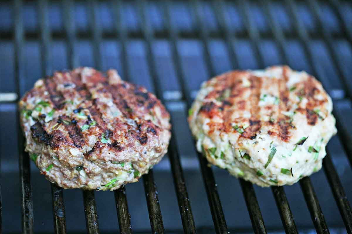 spicy-turkey-burger-coleslaw-method-2