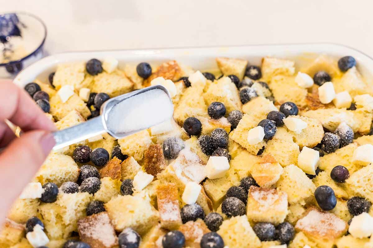 Blueberry French Toast Bake sprinkle with sugar