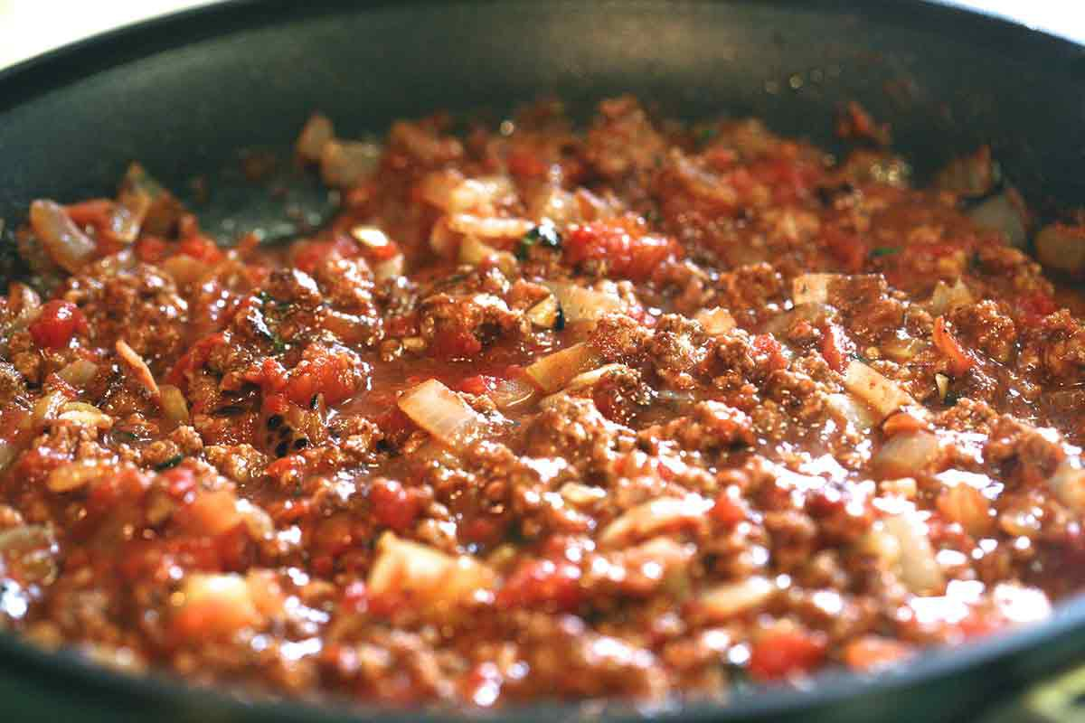 simmer penne pasta meat sauce