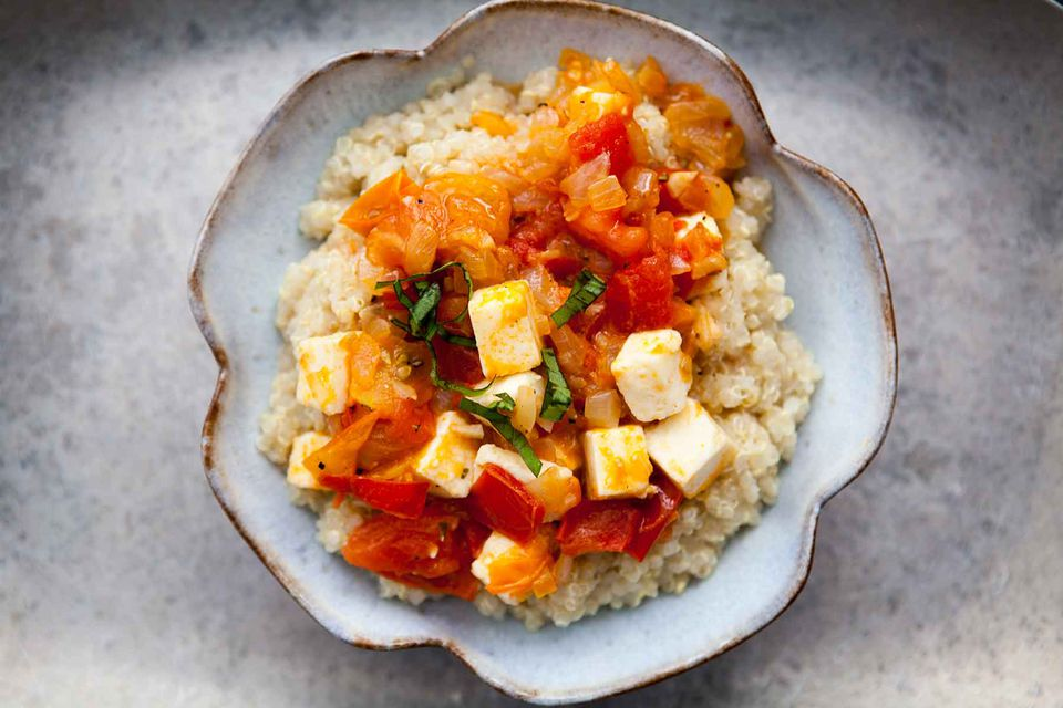 Quinoa with Tomatoes and Cheese