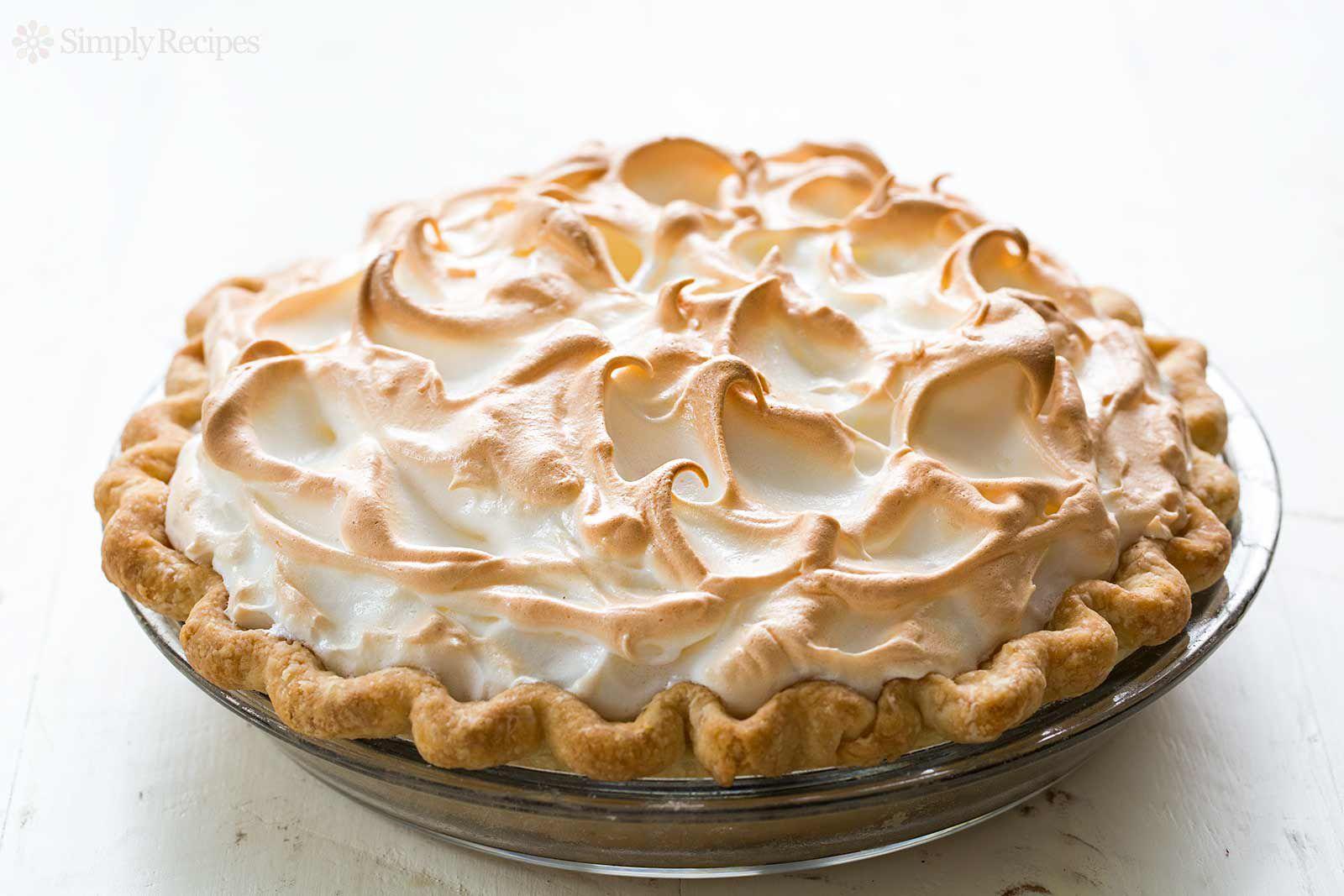 Lightly Browned Meringue on a Lemon Meringue Pie