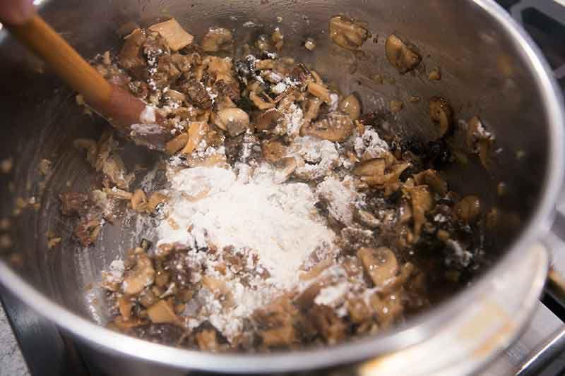 cream-of-wild-mushroom-soup-method-8