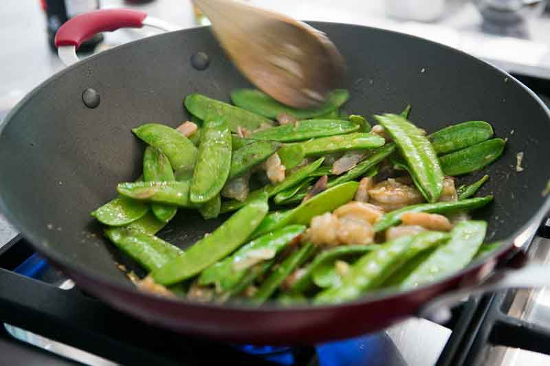 shrimp-snow-peas-method-3