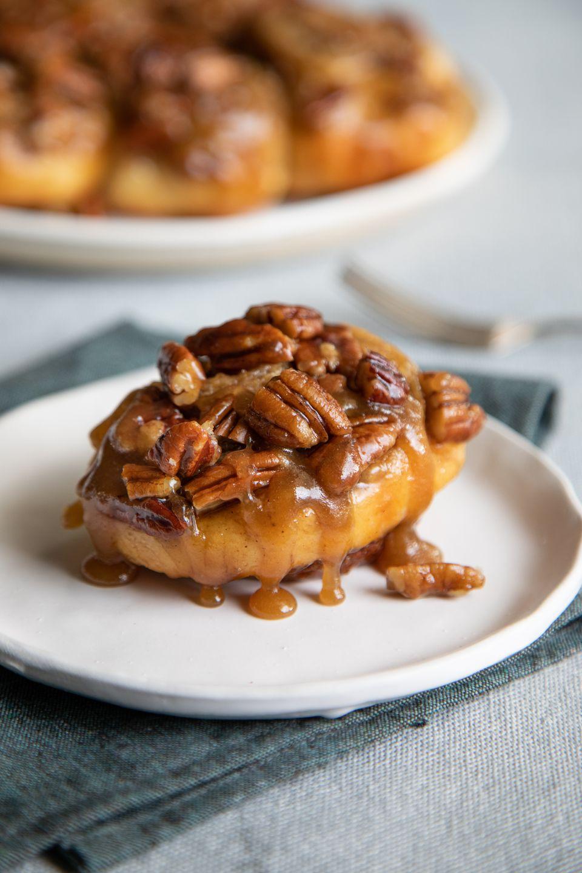 Cinnamon buns with pecans.