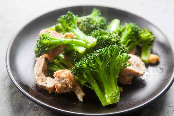 Broccoli Chicken Almond Sauté