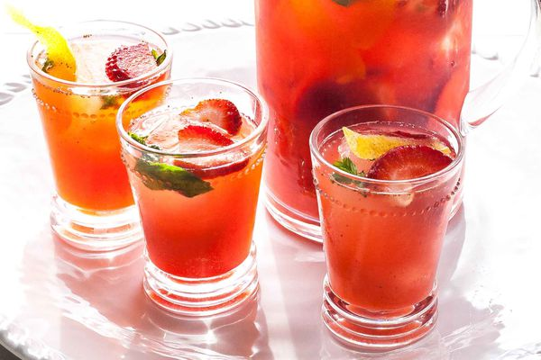 Sangria with Strawberries and Sparkling Wine