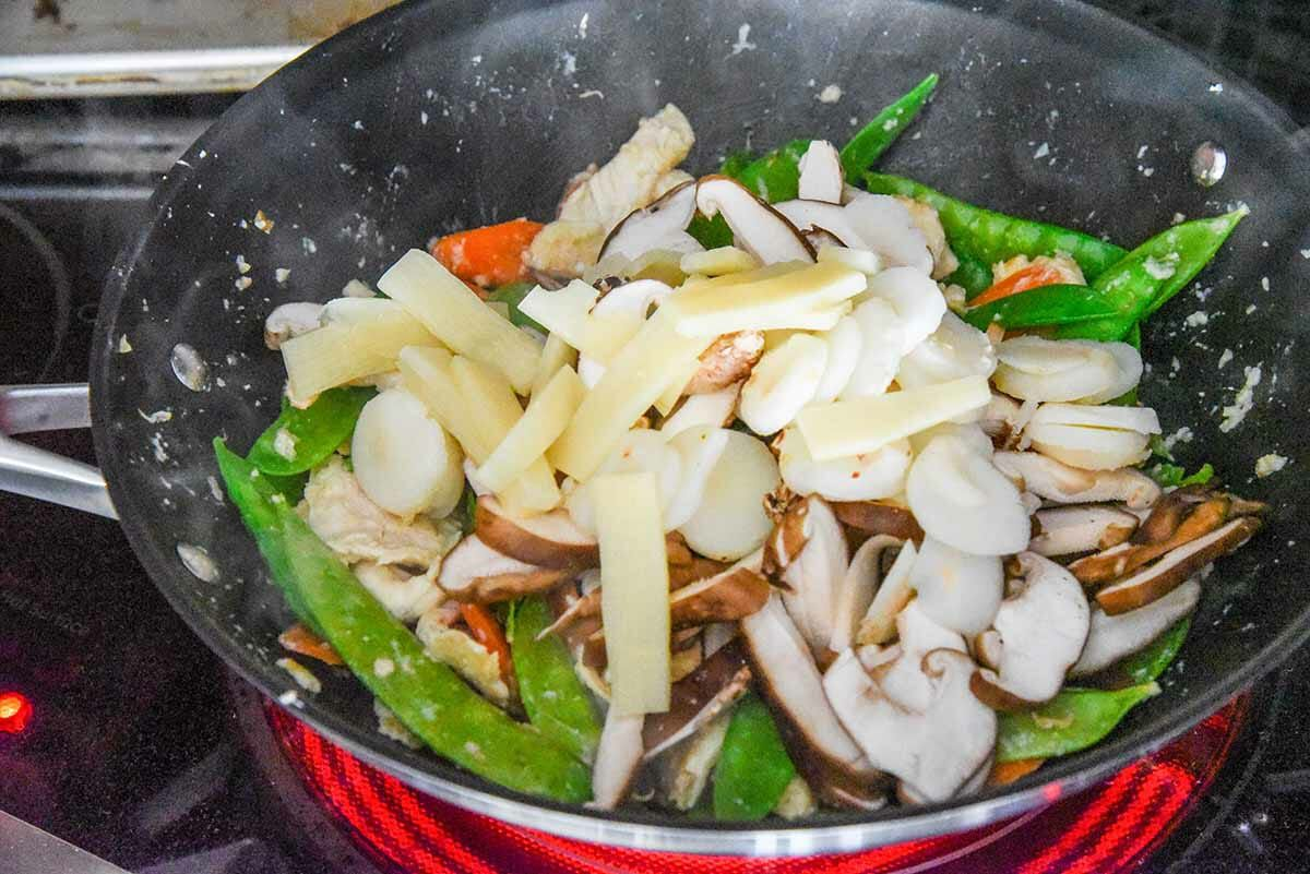 Chicken Moo Goo Gai Pan stir fry all the vegetables