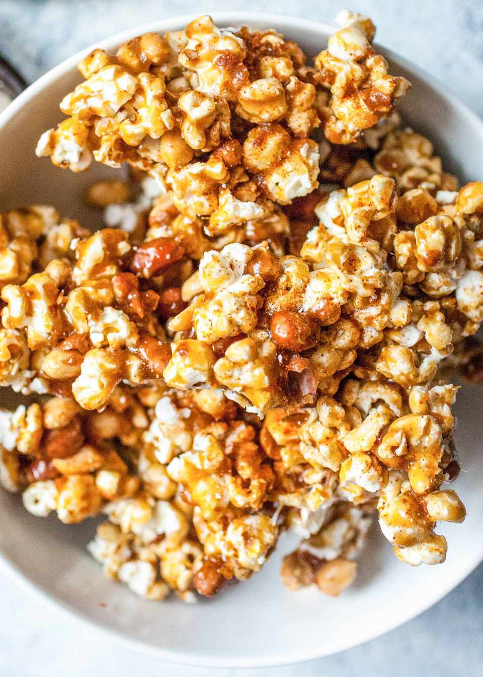 How to Make Caramel Popcorn with peanuts