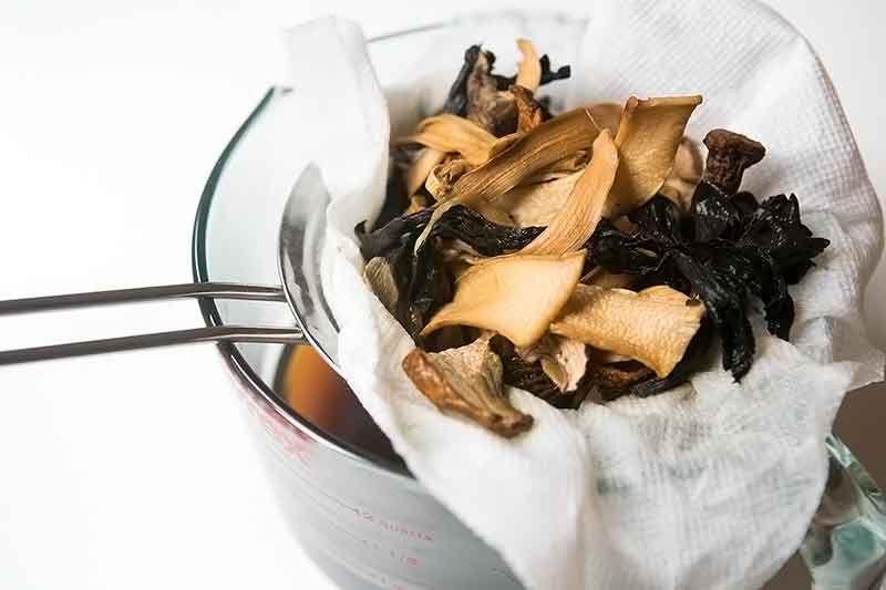 cream-of-wild-mushroom-soup-method-2